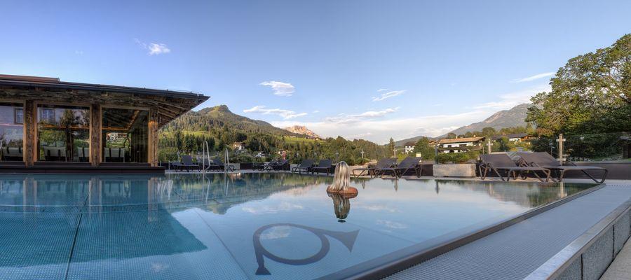 Panorama Pool . Hotel Alte Post . Fieberbrunn Tirol